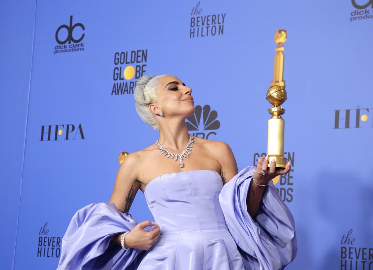 Lady Gaga jäi ilman palkintoa parhaan naispääosan kisassa, mutta sai palkinnon laulustaan Shallow parhaana alkuperäisenä musiikkikappaleena.