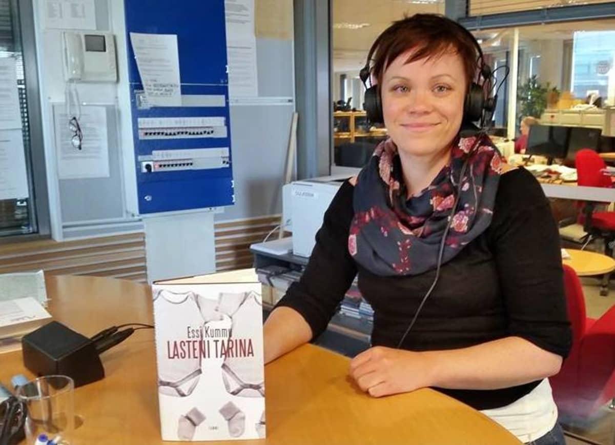 Essi Kummu; kirjailija Essi Kummu; Lasteni tarina;