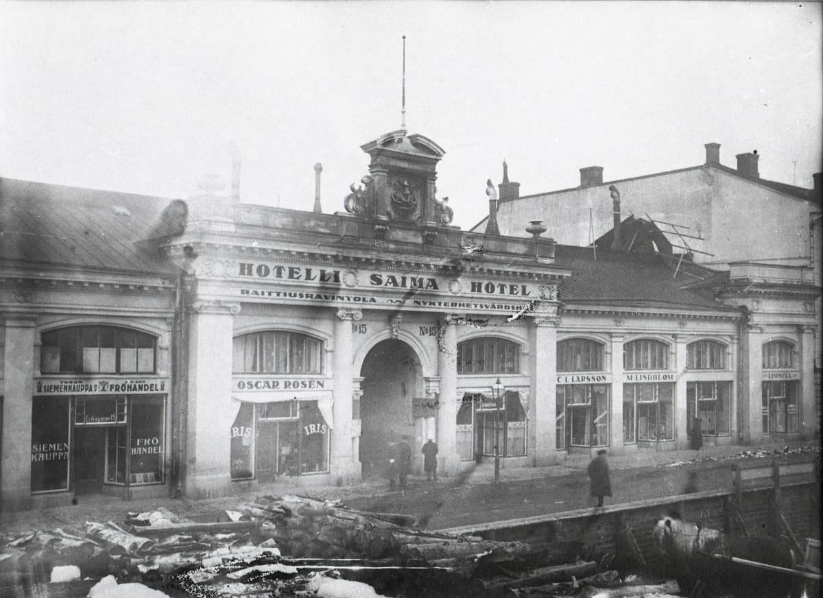 Kauppaliikkeiden ryöstöjen jäljet joulukuu 1917