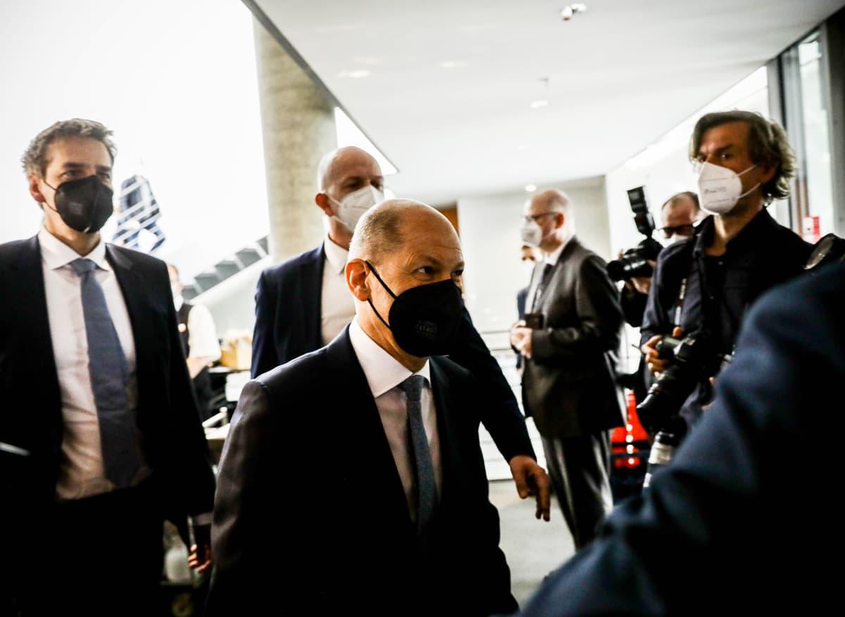 Olaf Scholz saapumassa Wirecard-istuntoon Berliinissä huhtikuussa.