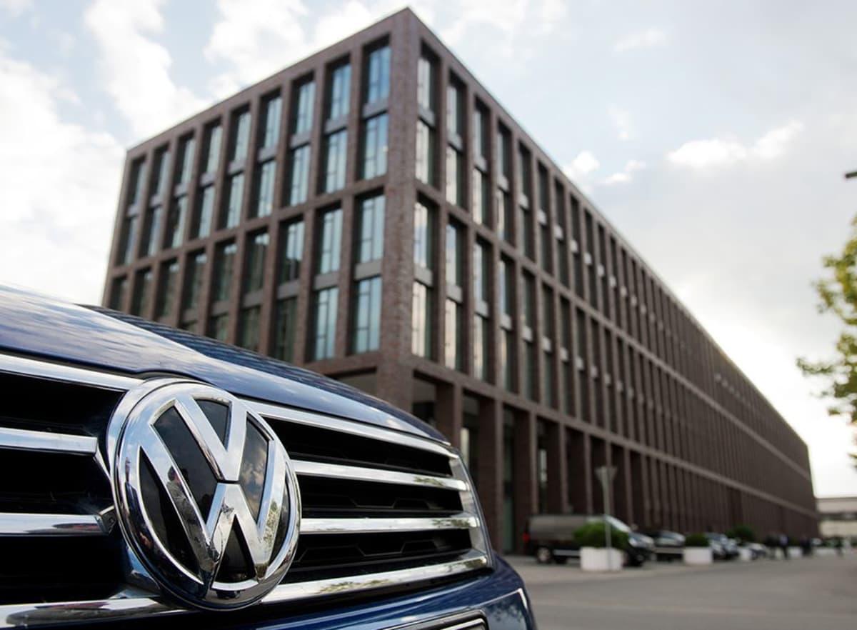 Volkswagenin Wolfsburgin tehtaan hallintorakennus kuvattuna 23. syyskuuta 2015.