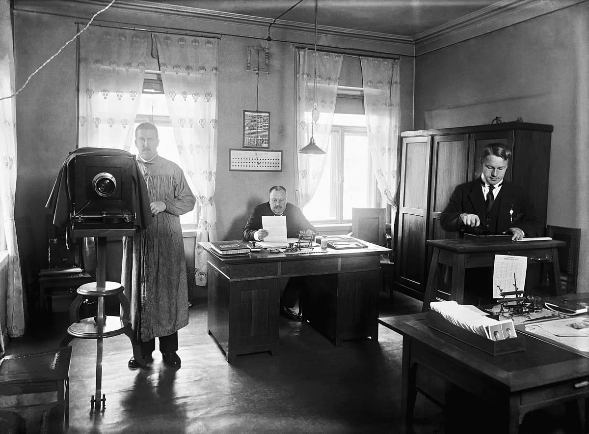 Helsingin poliisilaitoksen antropometrinen toimisto.