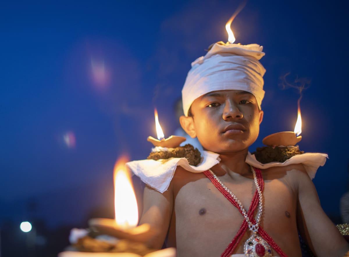 Nepalilainen hindu Dashain-juhlaissa  Bhaktapurissa 9. lokakuuta.