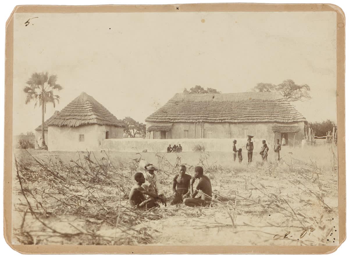 Suomen lähetysseuran Ondangwan lähetysasema Ambomaalla nykyisessä Namibiassa 1893 https://www.finna.fi/Record/museovirasto.670E027393FFA15C84F60AE4937F16E5