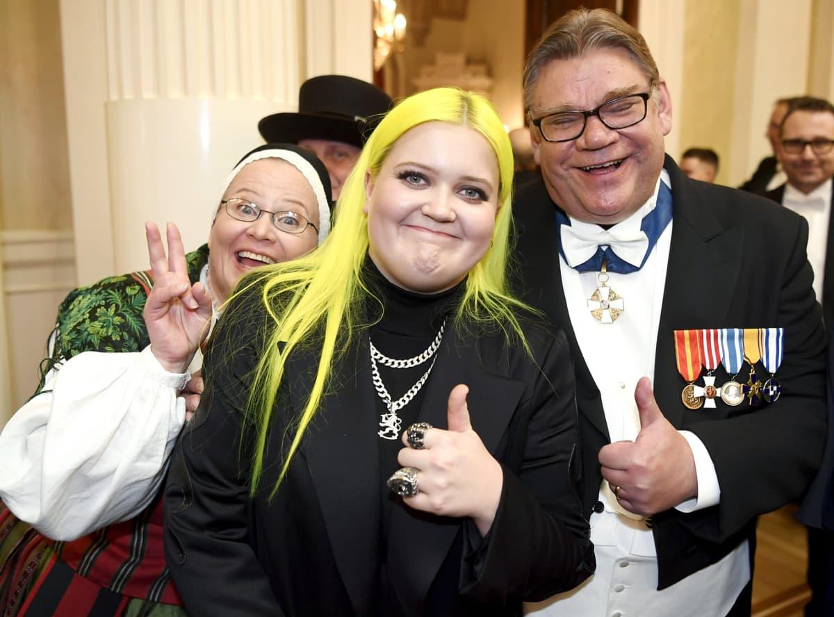 Alma ja ulkoministeri Timo Soini Suomen 100-vuotisjuhlavuoden itsenäisyyspäivän vastaanotolla Helsingissä.