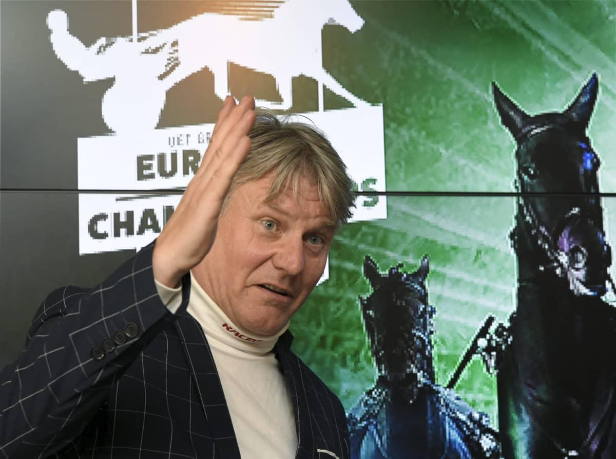 Raviohjastaja Erkki-Pekka Mäkinen