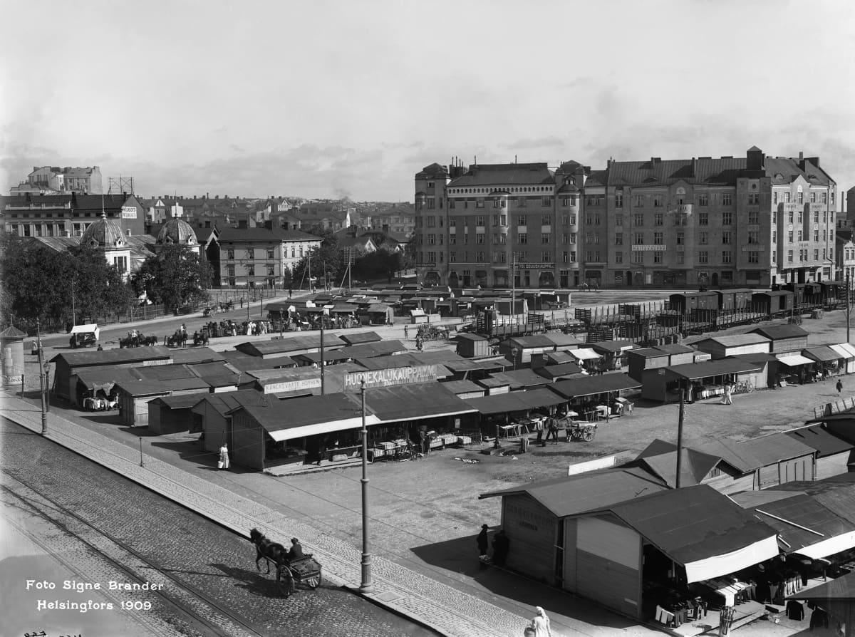 Hakaniementori vuonna 1909 kuvattuna Siltasaarenkatu 12:sta koilliseen.