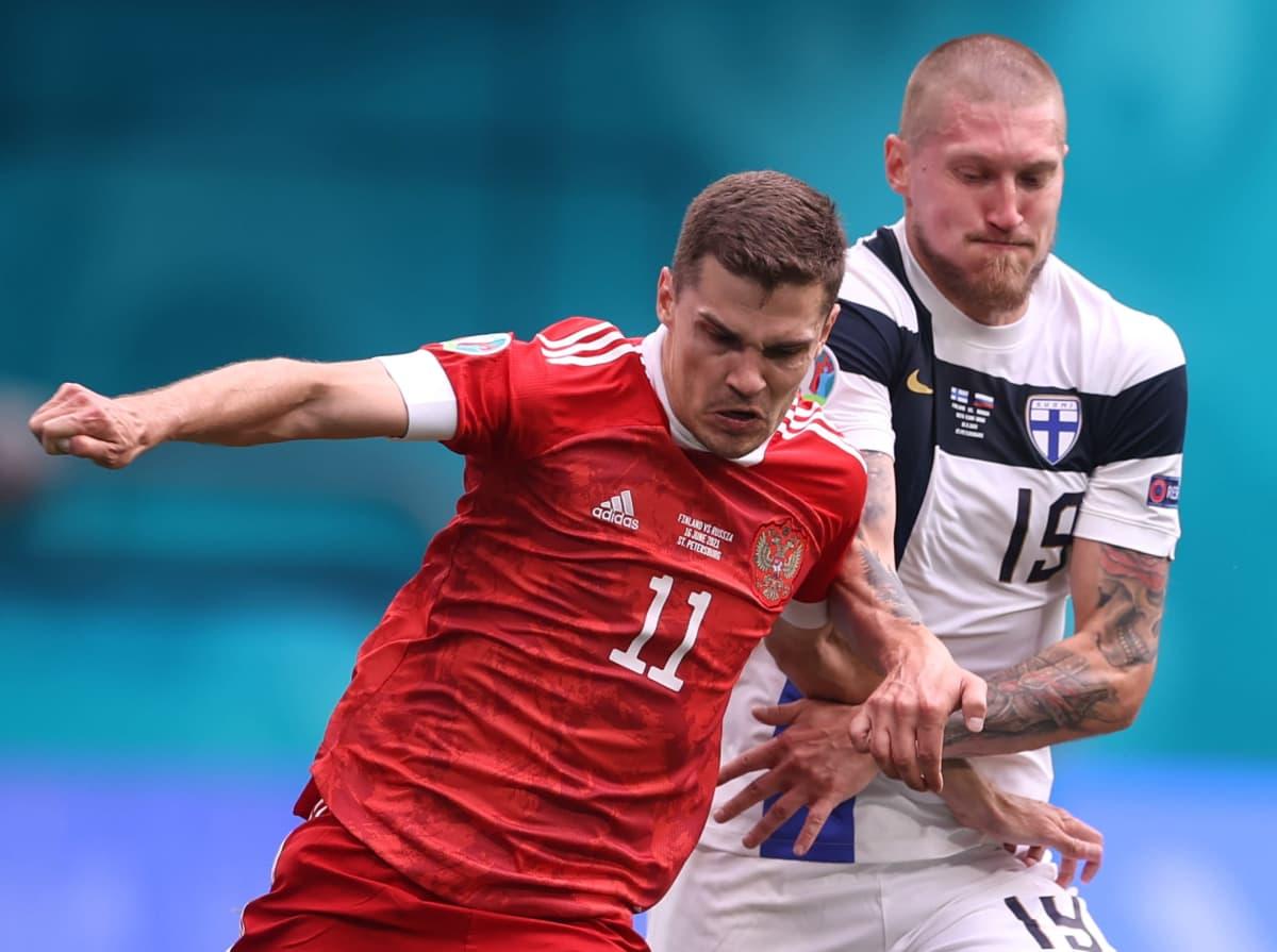 Joni Kauko jalkapallon EM-kisoissa.