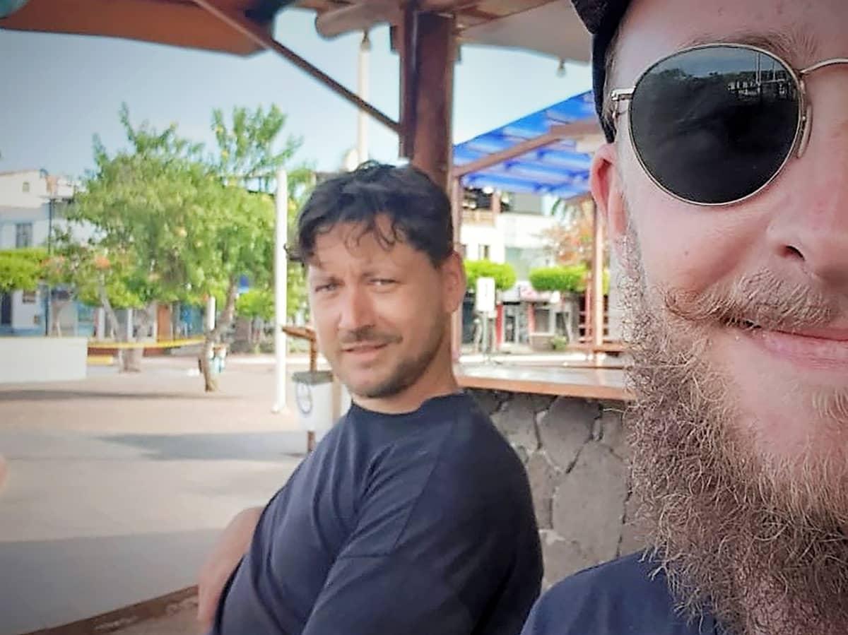Matti Patrakka ja Olli Kontkanen matkoilla Galapagossaarilla maaliskuussa 2020.