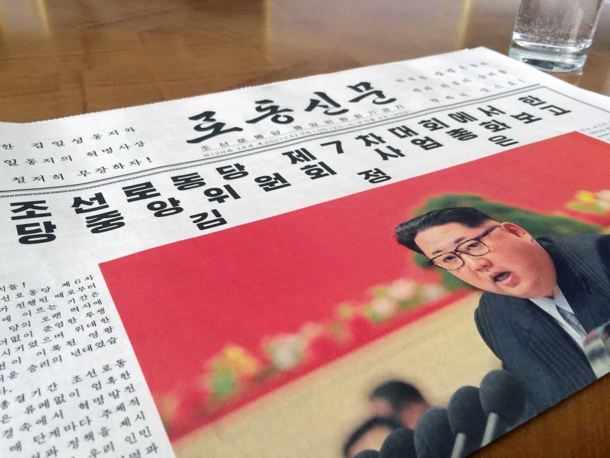 Pohjoiskorealaisen lehden kansi.