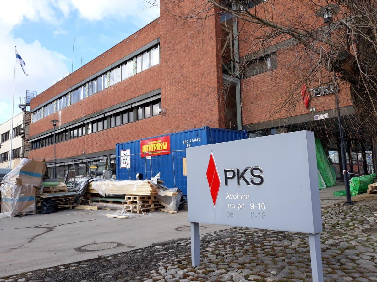 Pohjois-Karjalan Sähkön toimitalossa on menossa iso remontti.