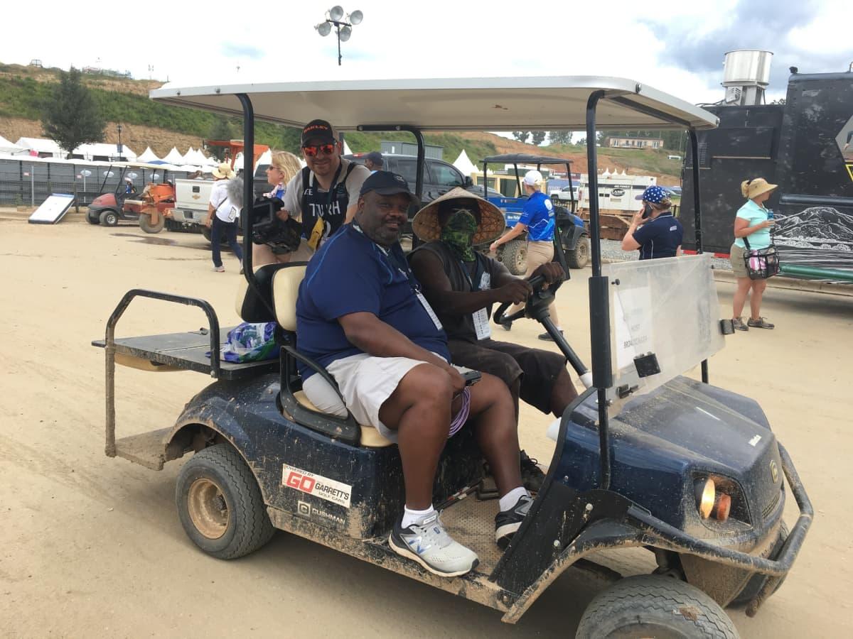 Golfauto ratsastuskisoissa