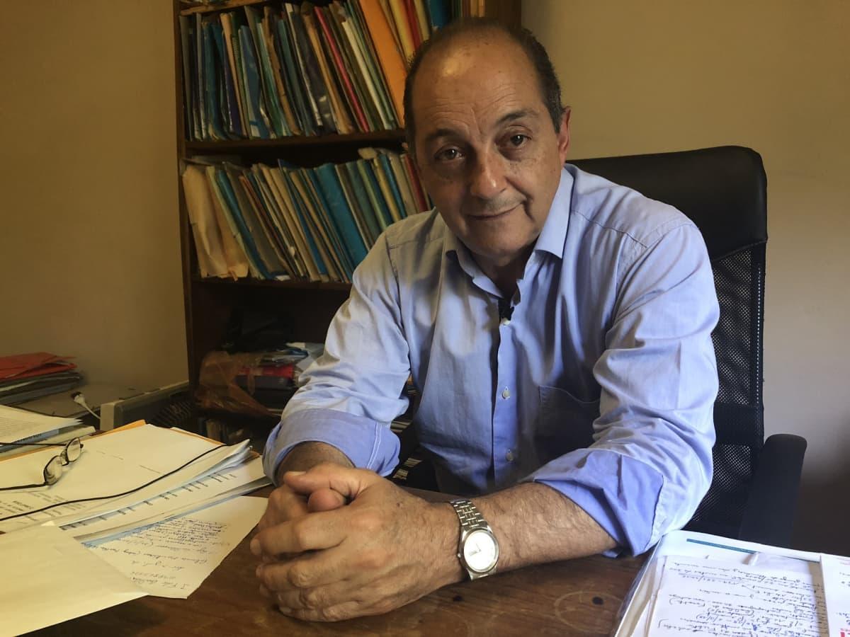 Asianajaja ja toimittaja Hoenir Sarthou on näkyvimpiä UPM:n tehdashankkeen vastustajia.