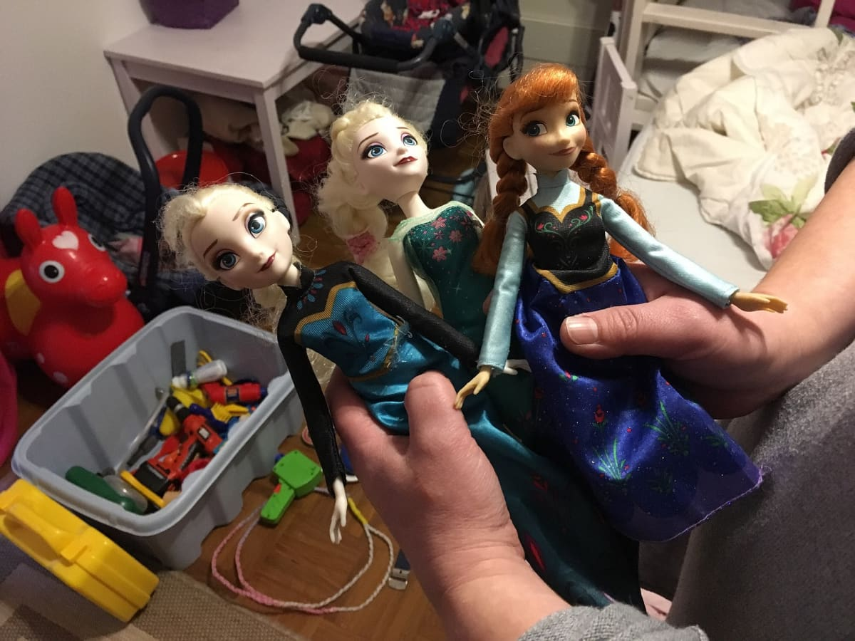 Lahjoitetut nuket.