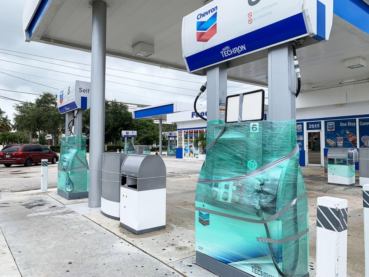 Poikkeusoloissa esimerkiksi polttoainetta ei saa, ja sitä pitää ostaa varastoon.