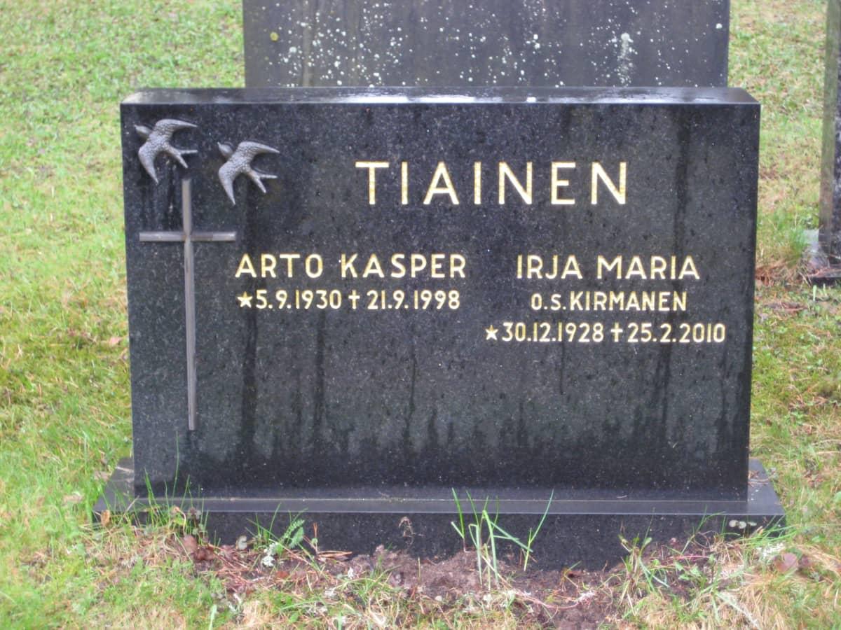 Arto Tiaisen hauta