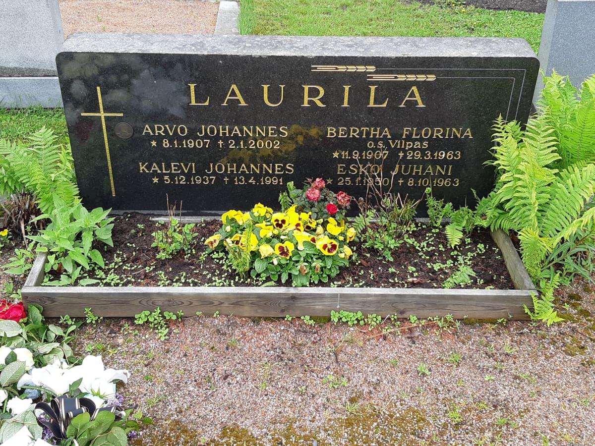 Kalevi Laurilan hauta