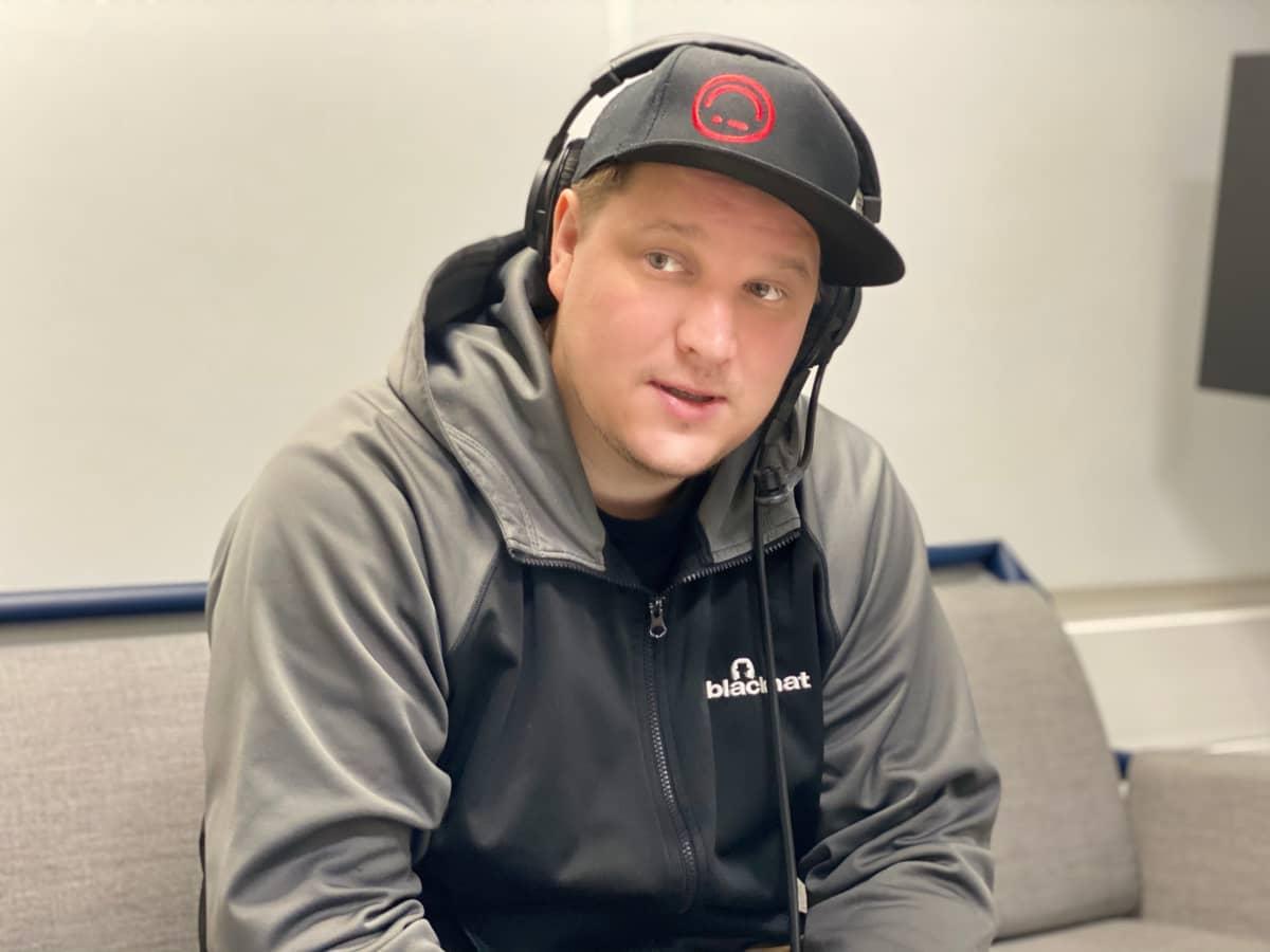 Benjamin Särkkä on hakkeri, joka käyttää kykyjään hyvään.