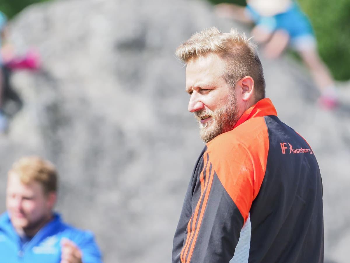 Aktiiviuransa jälkeen Conny Karlsson on toiminut muun muassa kuulantyönnön lajivalmentajana vuosina 2009–2012.