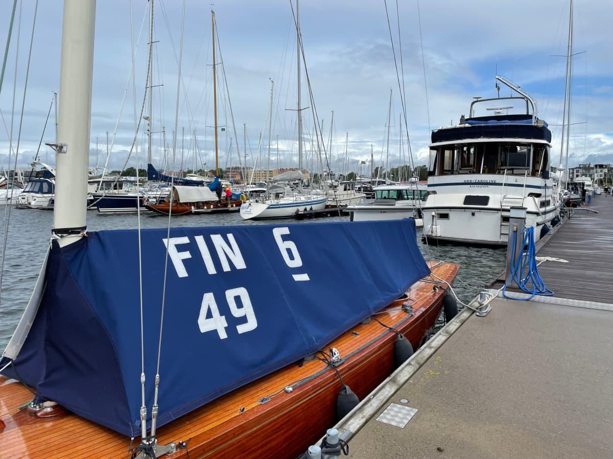 Hangon edustan saaressa sijaitsevassa Itämeren Portin satamassa on lähes 300 laituripaikkaa.