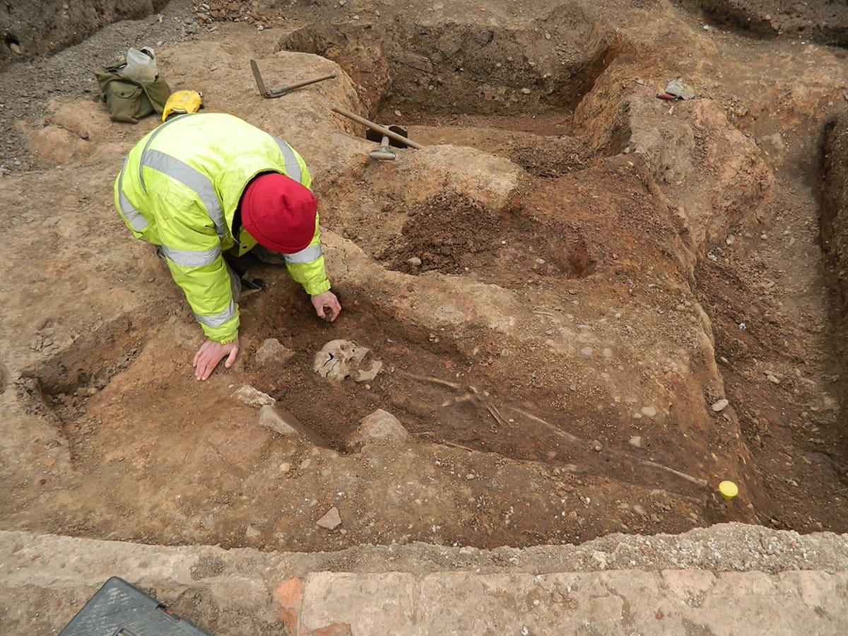 Arkeologi kaivauksilla.