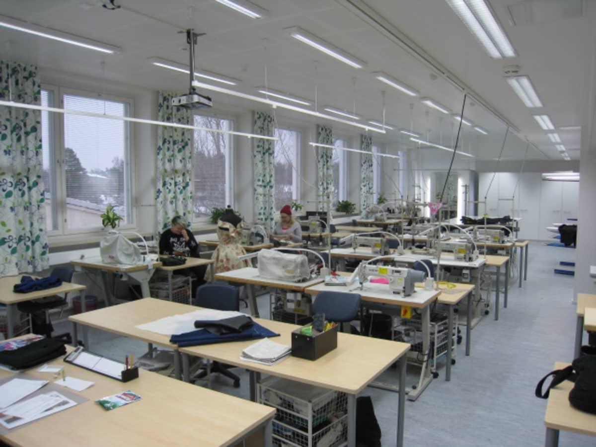 Uusia artesaaniopiskelijoiden työtiloja Vaasan ammattiopistossa.