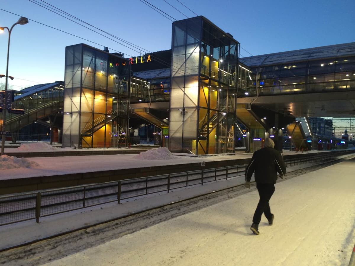 Uuden aseman hallitseva väri on keltainen.