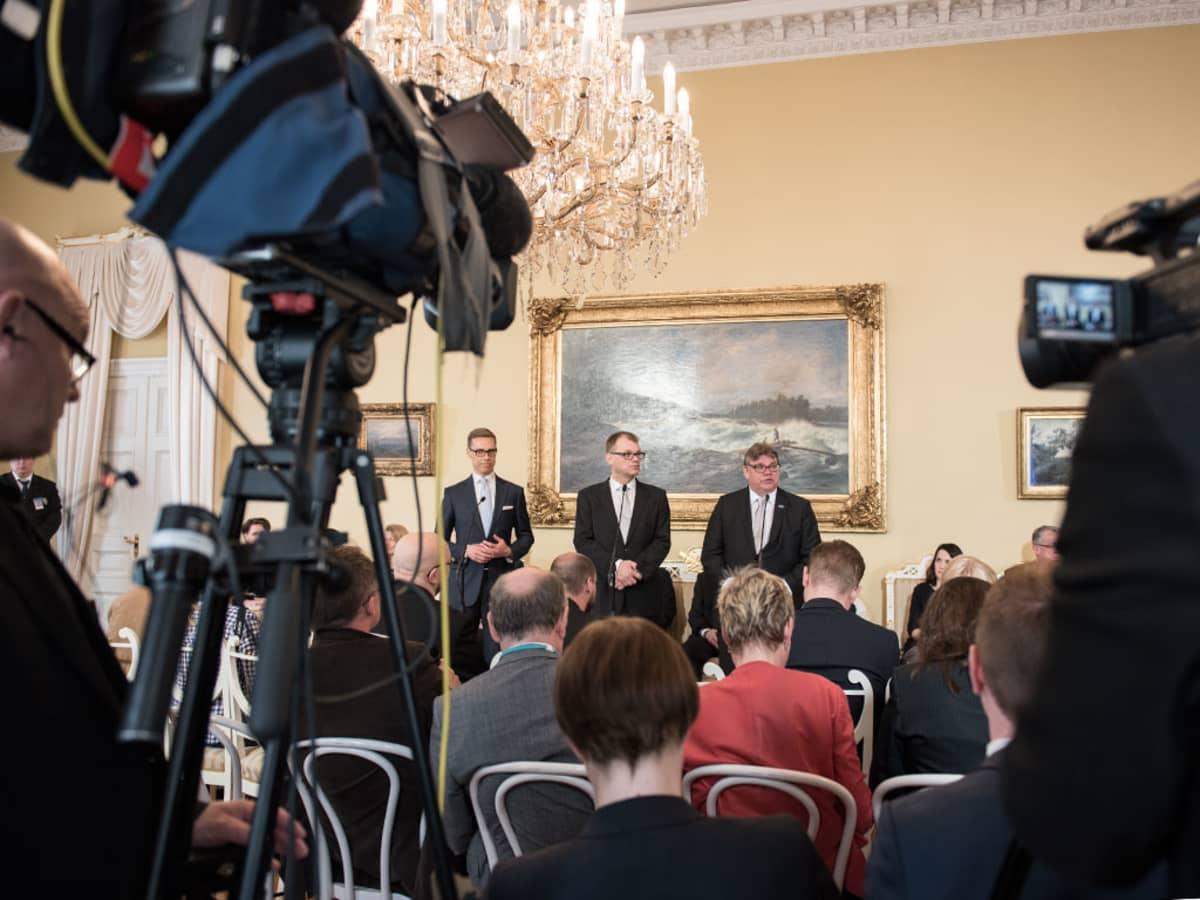 Alexander Stubb, Juha Sipilä ja Timo Soini pitää infoa Smolnassa 29. toukokuuta.