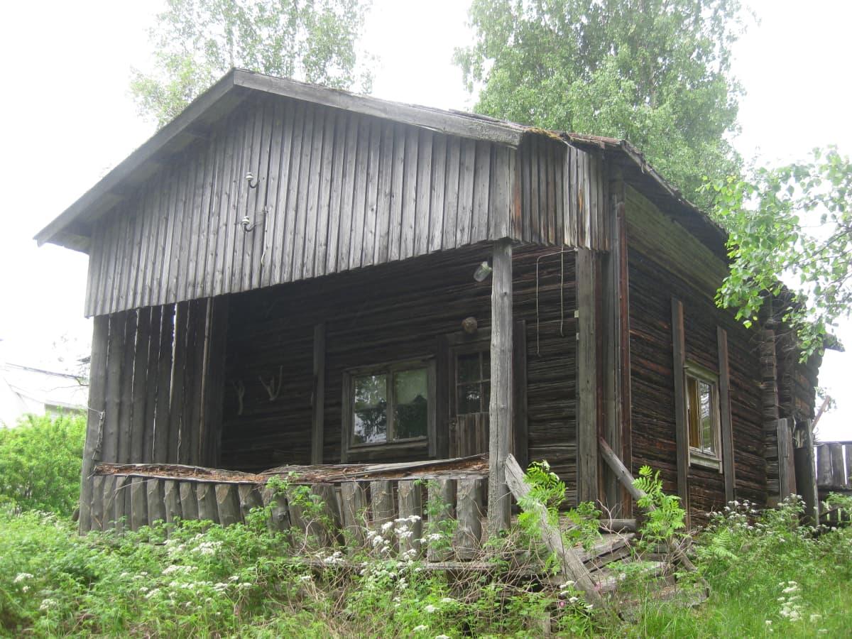 Vanha Monolan aitta Lieksassa. Tässä Monolan aitassa nuoripari Sibelius majoittui Lieksassa heinäkuisen viikon häämatkallaan vuonna 1892.