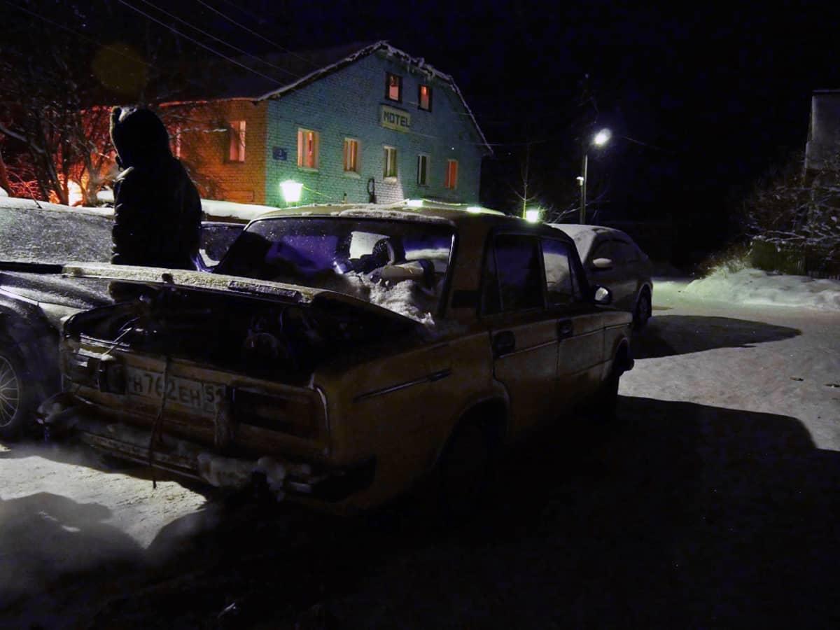 Kantalahden hotelli Pomor-Turissa turvapaikanhakijat ovat odottaneet päiväkausia pääsyä Suomeen.