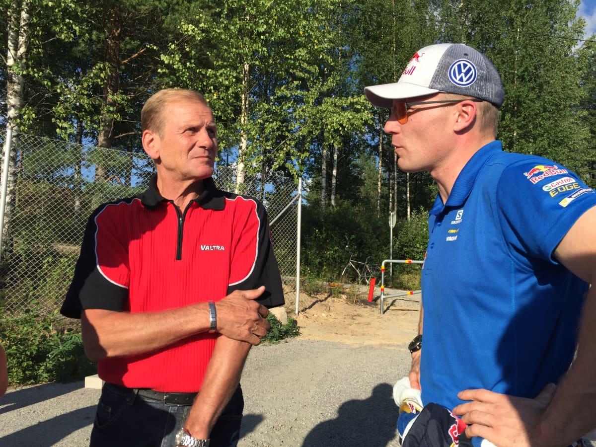 Juha Kankkunen (vas.) ja Jari-Matti Latvala.