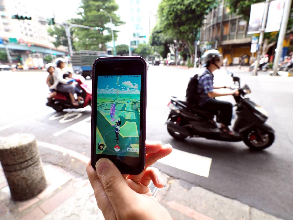 Suosittu Pokemon Go -peli lanseerattiin Taiwanissa 6.8.2016. Pelissä etsitään virtuaalihahmoja todellisesta ympäristöstä.