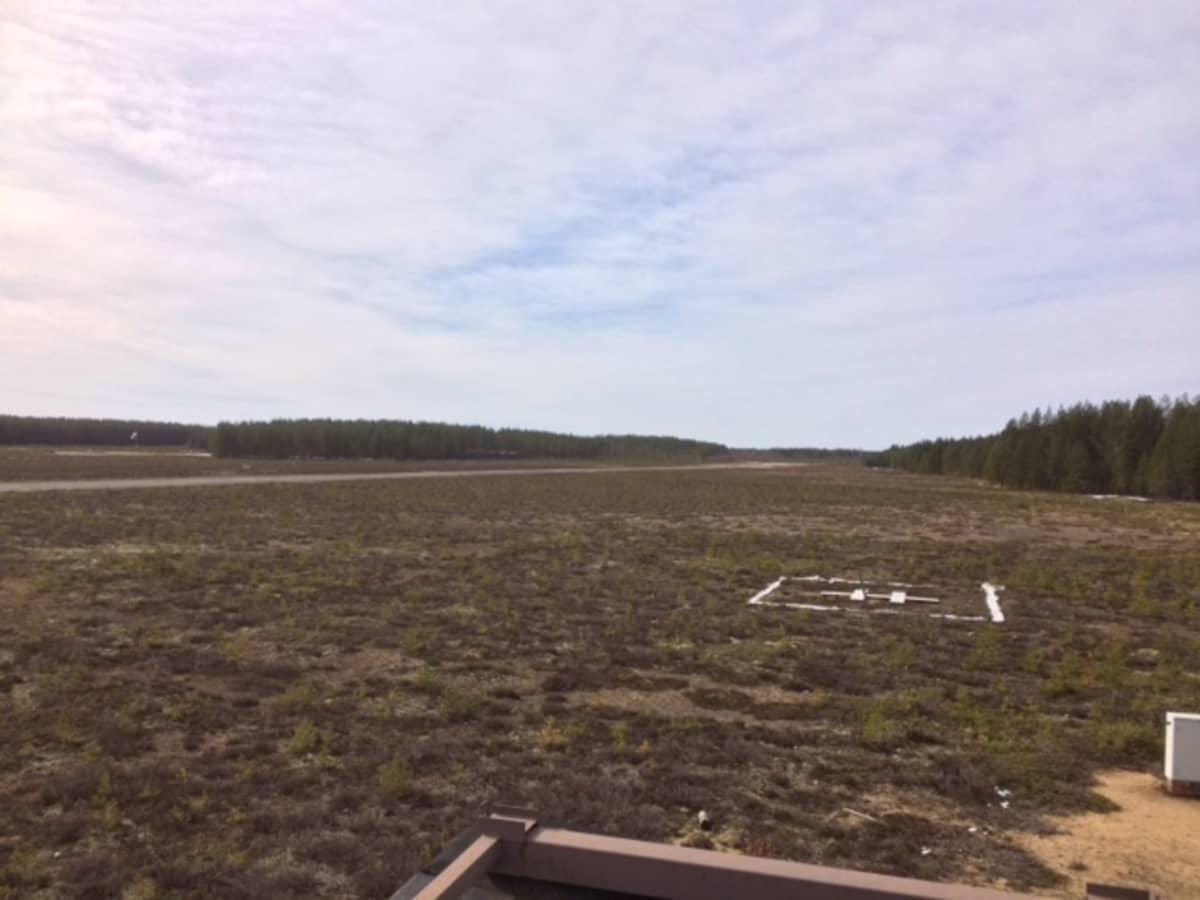 Menkijärven lentokenttää Alajärvellä.