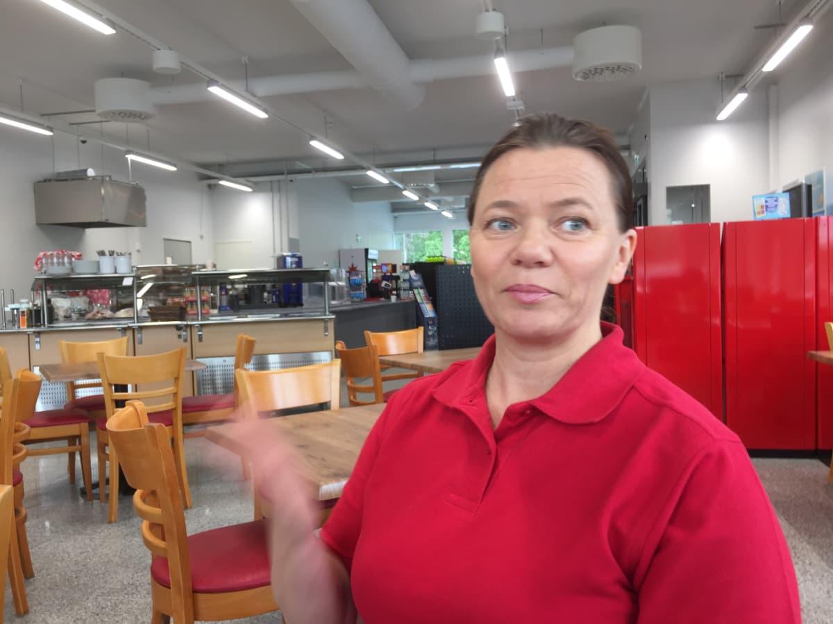 Tarja Ainassaari on grillikioskiyrittäjä.