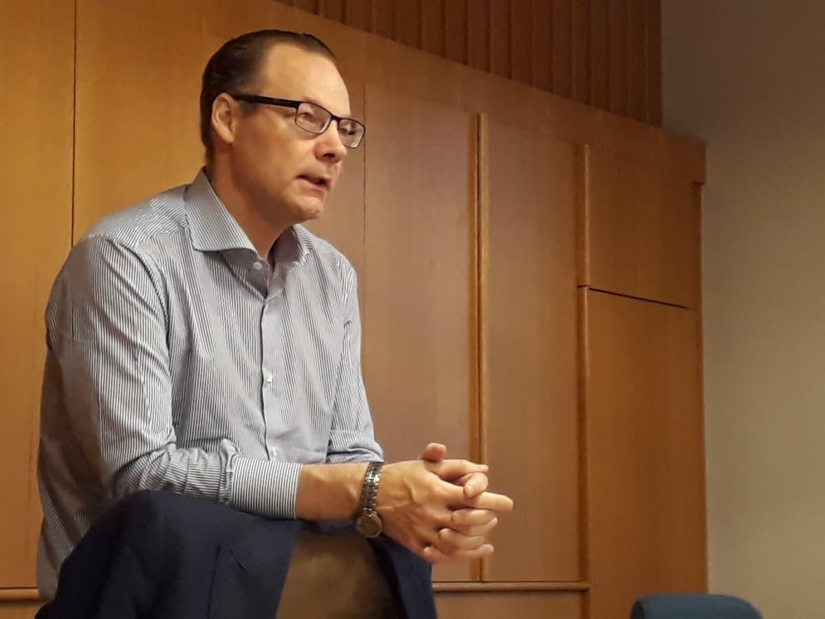 Kaupunginjohtaja Janne Laine Savonlinnan kaupungintalolla lokakuussa 2017