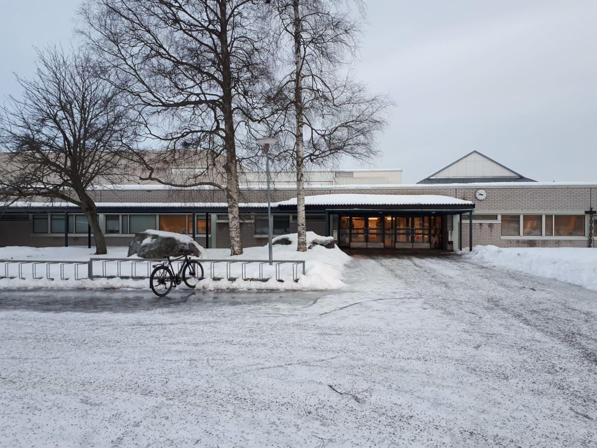 Oxhamnin koulu.