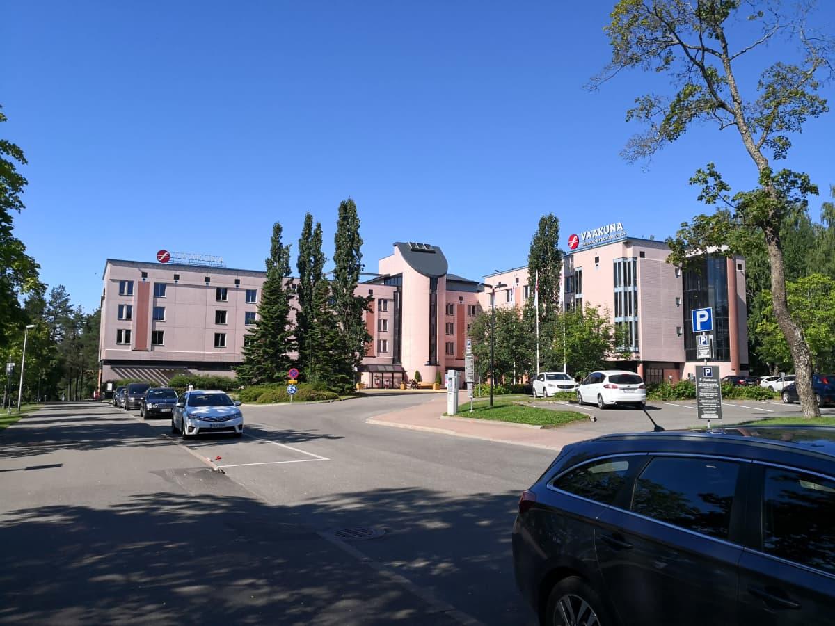 Kouvolan Sokos Hotel Vaakuna kesällä