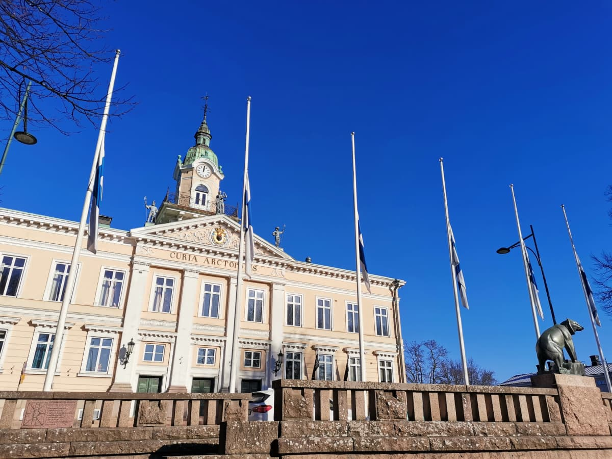 Suruliputus Jyrki Kankaalle.