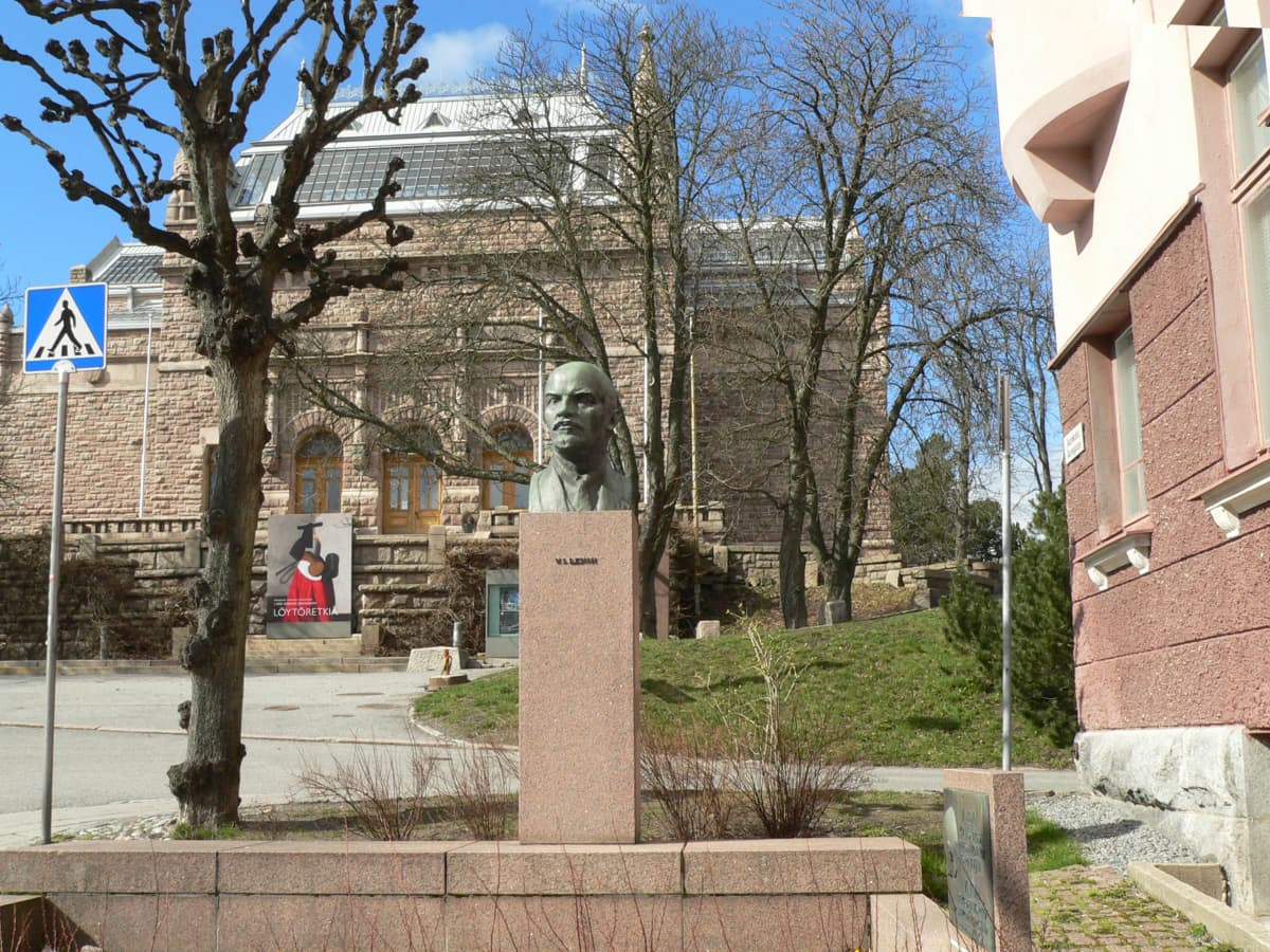 Leninin patsas Turussa