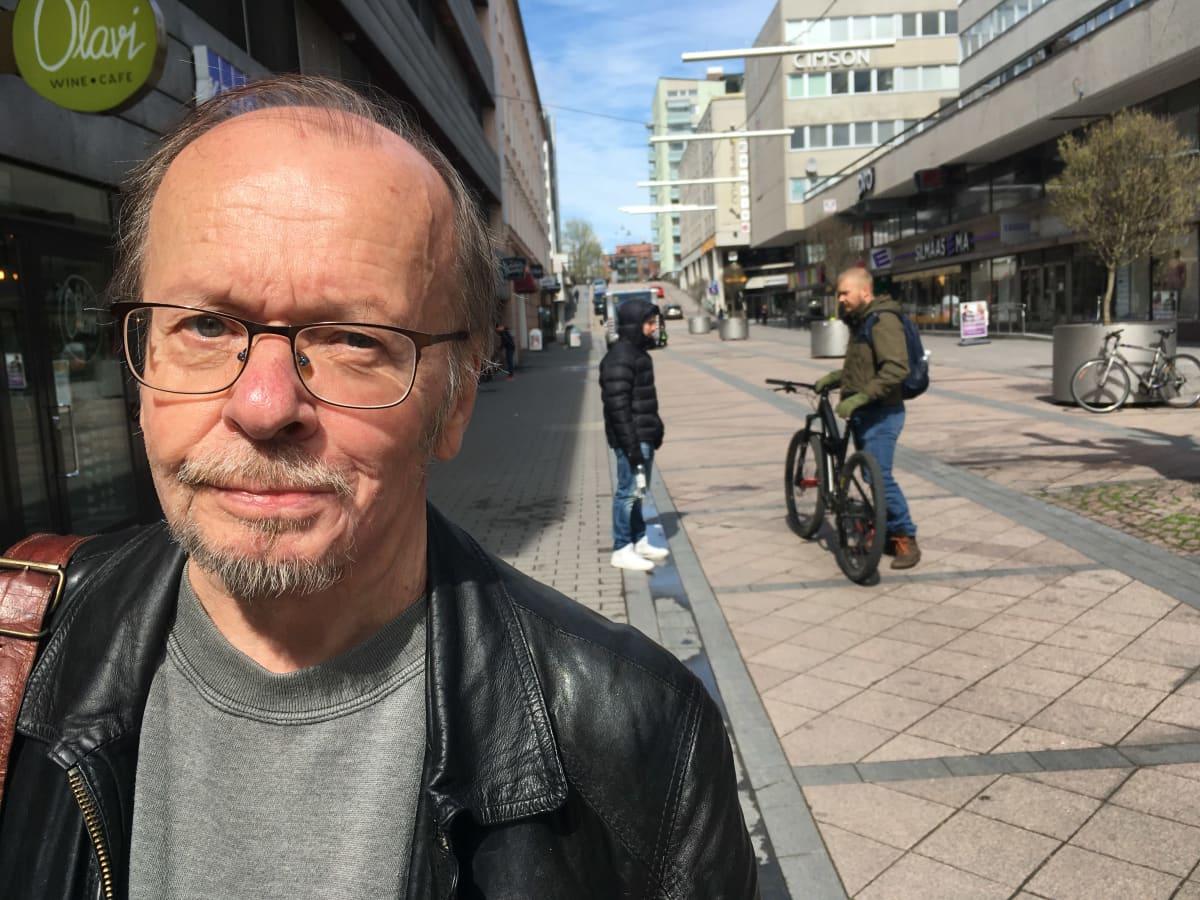 Populaarikultuurin tutkija, kirjailija, toimittaja, yhteiskuntatieteiden tohtori Markku Koski