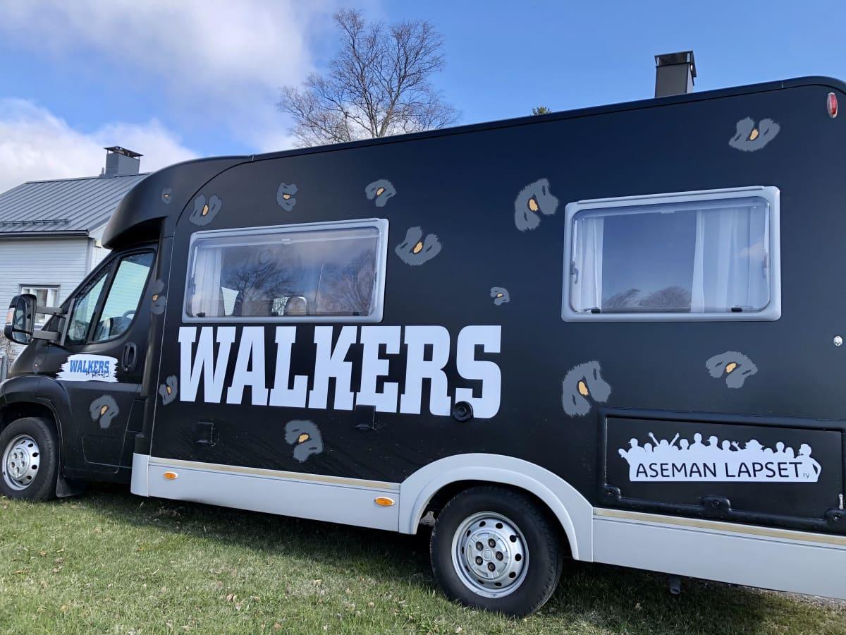 Kuvassa Walkers-nuorisoauto