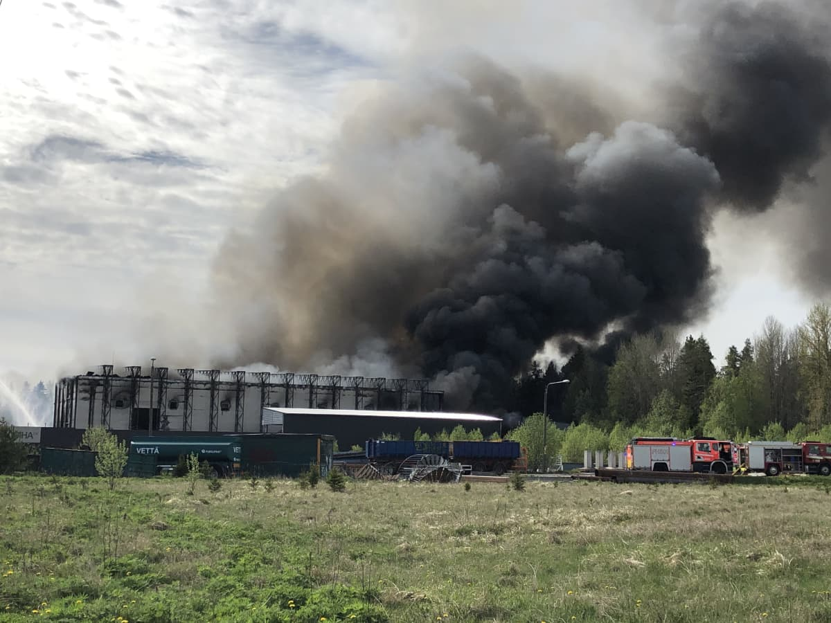 Purkupihan tulipalo Lahden Jokimaalla.