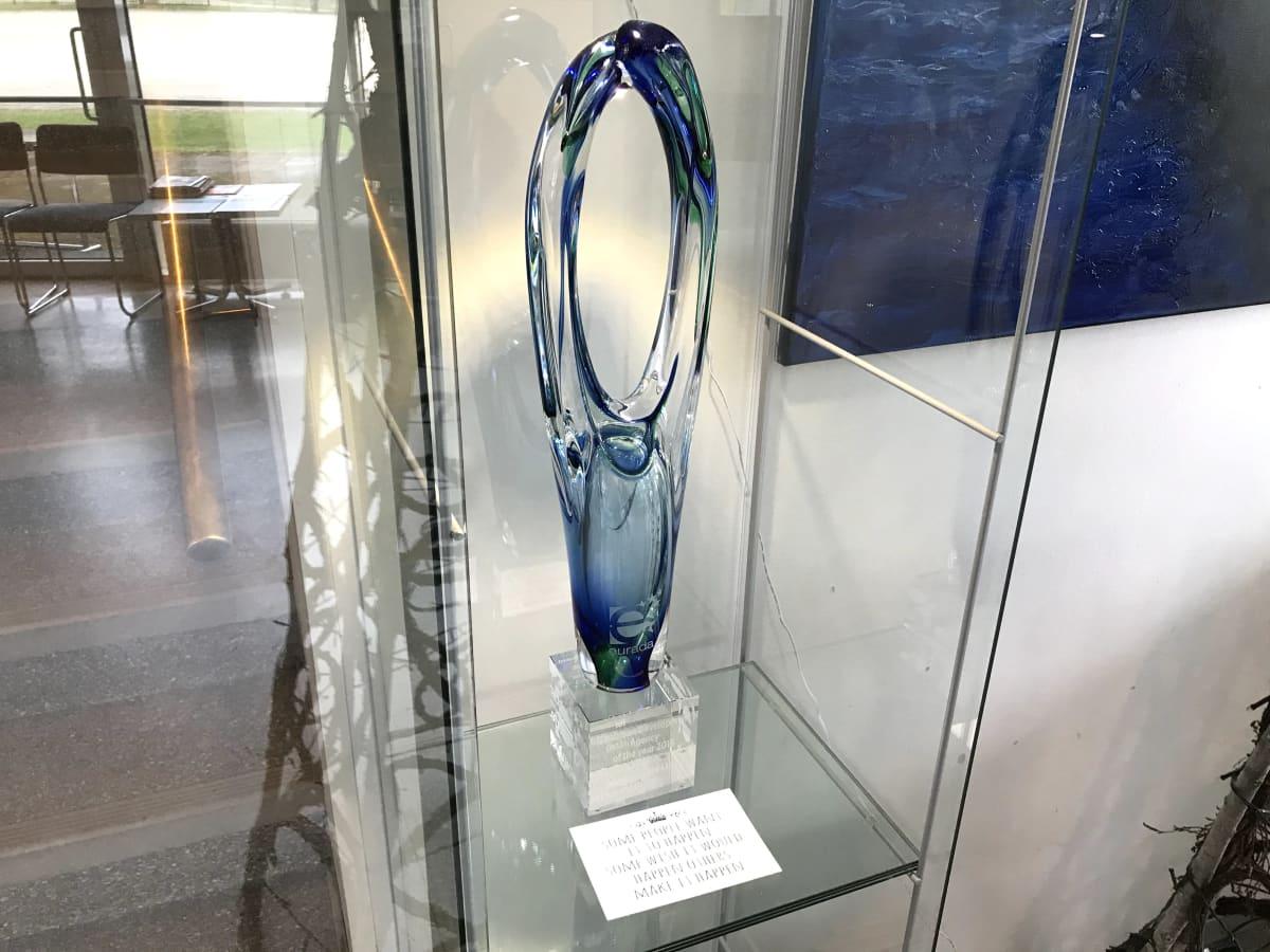 Palkintopokaali, joka myönnettiin Kainuun Edulle parhaasta kuntayhtymästä vuonna 2016.