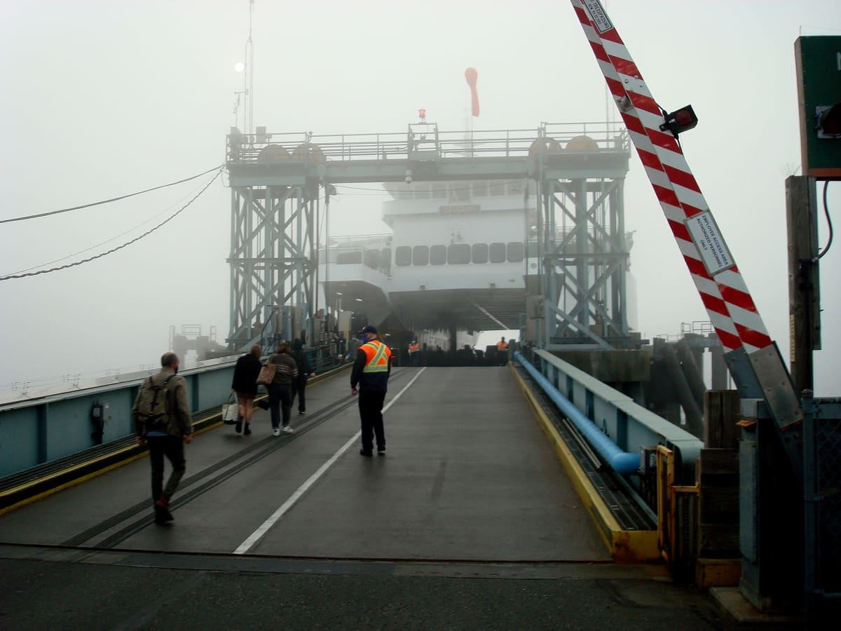 Maastopalojen synnyttämä savu heikensi näkyvyyttä Seattlen satamassa jo viikonloppuna.