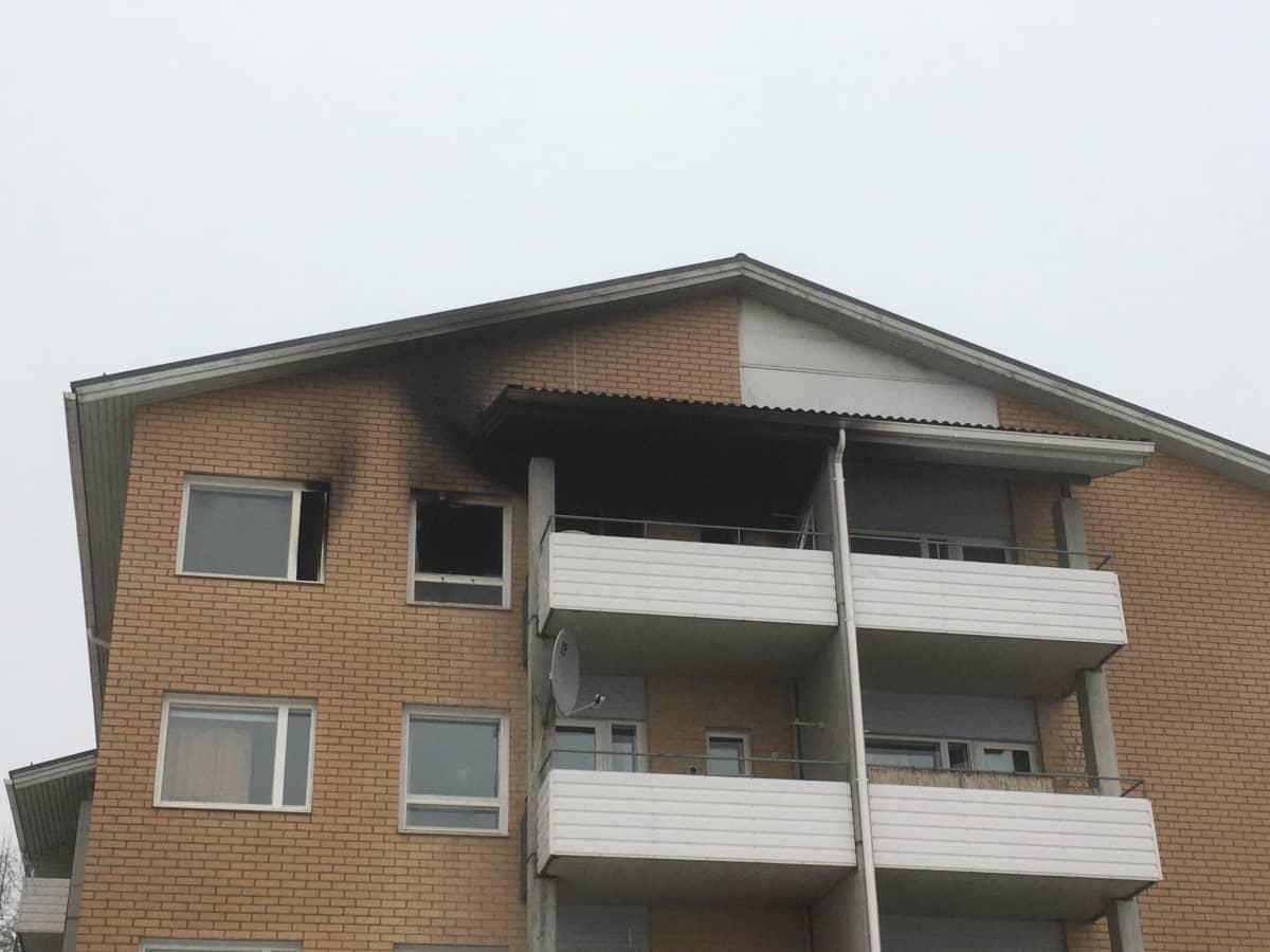 Kerrostaloasunto paloi tulipalossa 23.1.2021.