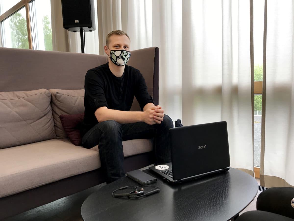 Tampereen yliopiston kauppatieteiden opiskelija Kaius Tirronen