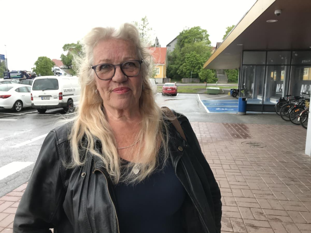 Turun eläinsuojeluyhdistyksen toiminnanjohtaja Britt-Marie Jupp