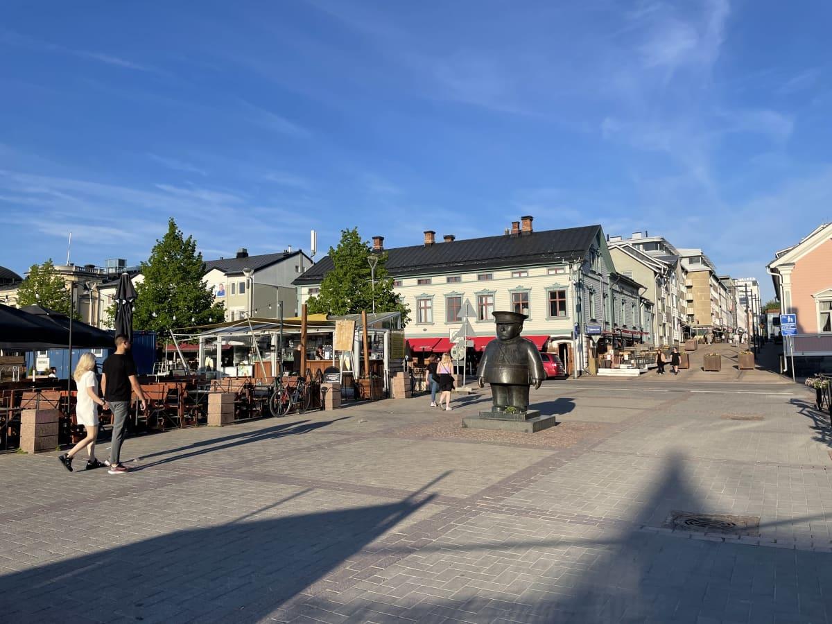 Ilta-aurinkoa Oulussa.