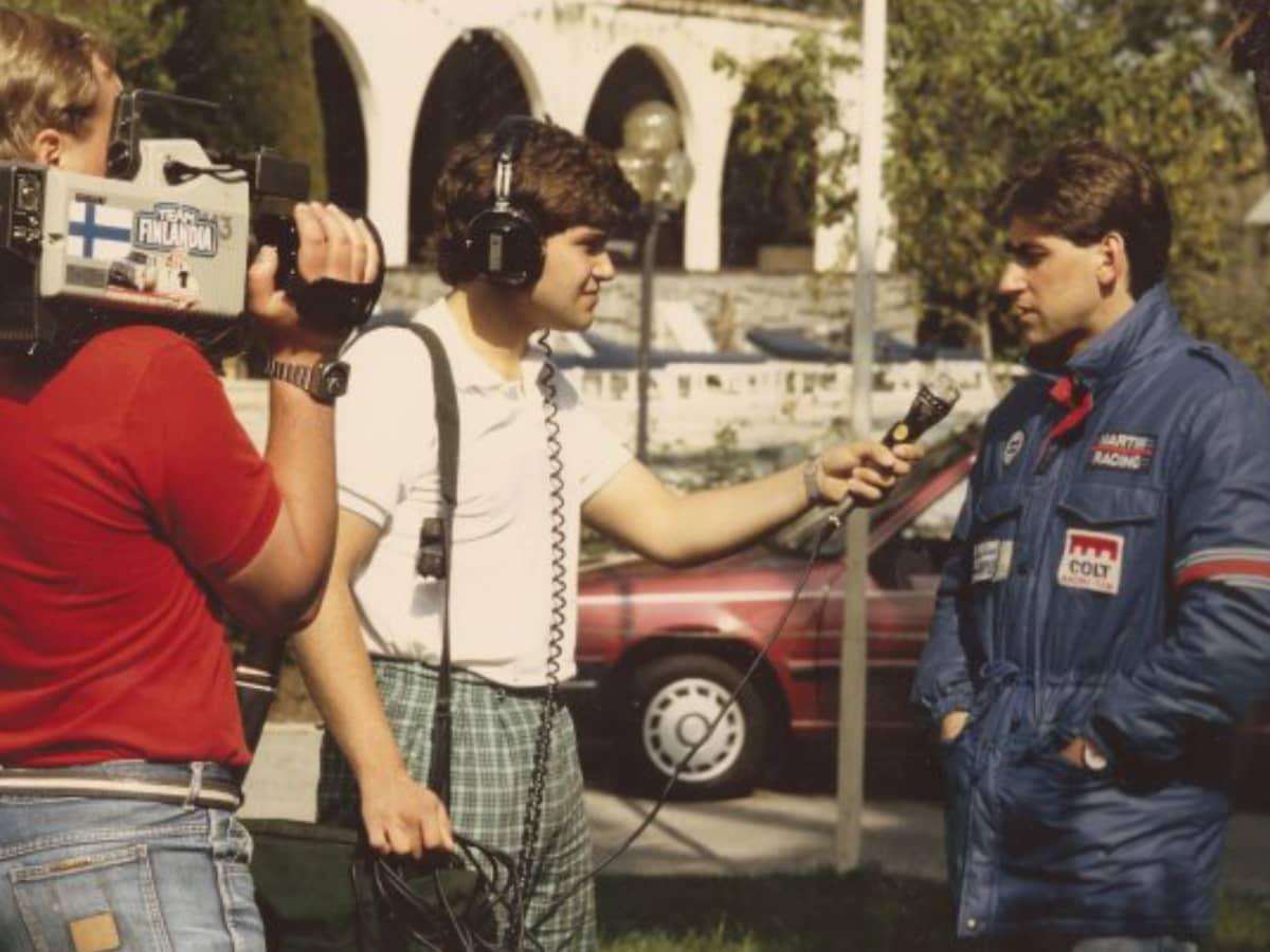 Timo Pulkkinen haastattelemassa Henri Toivosta ennen kohtalokkaan Korsikan MM-rallin starttia vuonna 1986.