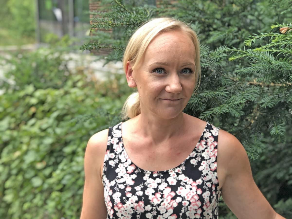 Mari Eloranta hymyilee kameralle